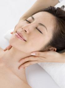 スパブランド フィトメールを使用します。お肌の乾燥を改善し、肌の水分保持、バリア機能を促進するスパブランドエステです。